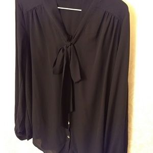 NWOT Bow tie black blouse
